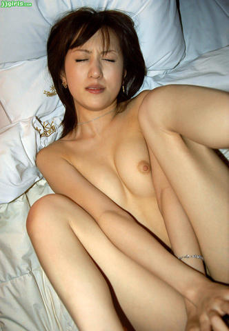 actress Miho Kanno 23 years sky-clad photography in the club