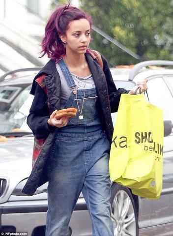 actress Jade Thirlwall 19 years overt photo home