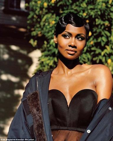Emayatzy Corinealdi topless photo