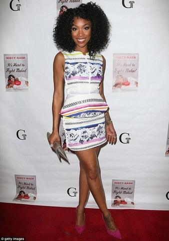 actress Brandy Norwood 21 years nudity snapshot in the club