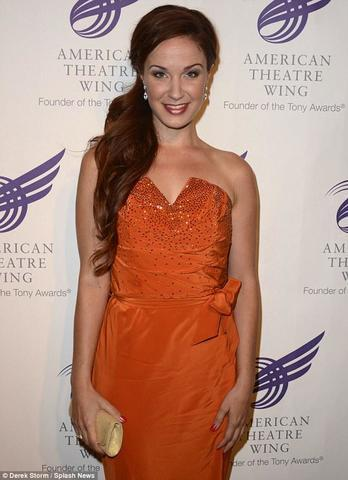 models Sierra Boggess 21 years overt photoshoot home