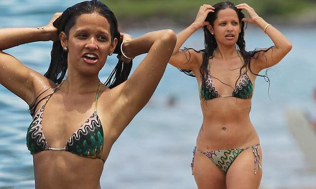 actress Rocsi Diaz 21 years sky-clad image beach