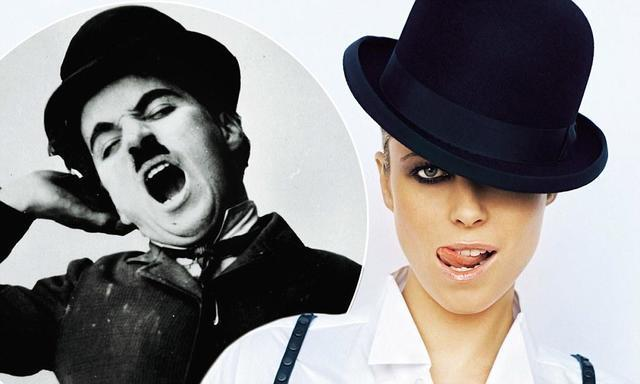 models Kiera Chaplin 20 years sensual photos home