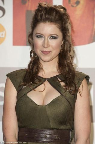 celebritie Hayley Westenra 19 years carnal snapshot beach