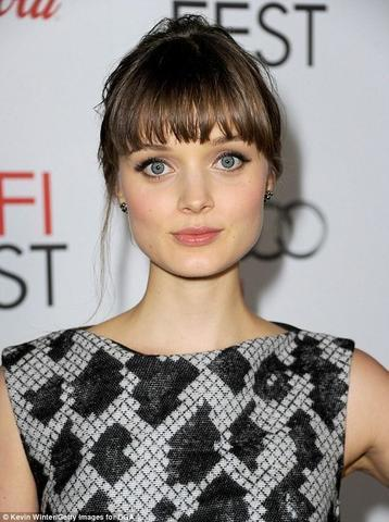 celebritie Bella Heathcote 20 years nudism image home