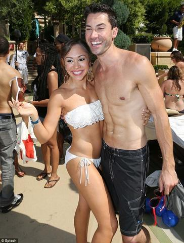 celebritie Diana DeGarmo 25 years unclad picture in public