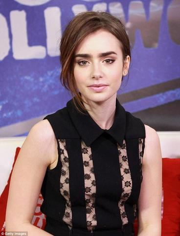 actress Lily Collins 21 years titties art in public