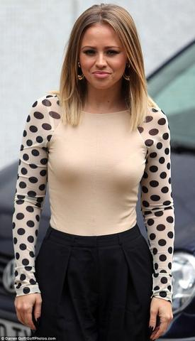 models Kimberley Walsh 21 years in the buff foto in public