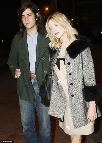 models Peaches Geldof 18 years teat photography in the club