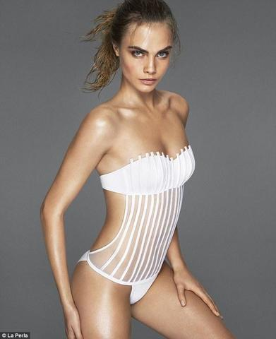 models Cara Delevingne 24 years naked picture in the club