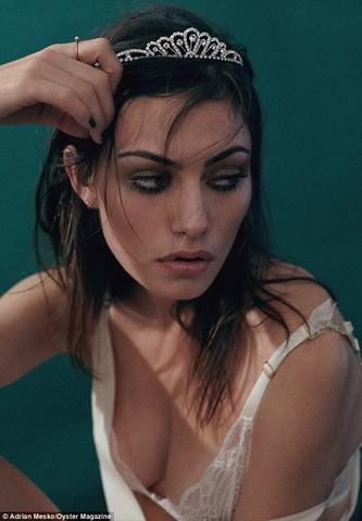 actress Phoebe Tonkin 22 years provoking snapshot beach