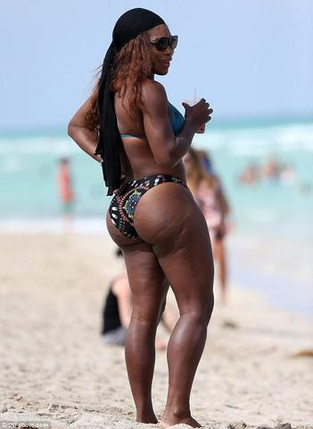 models Serena Williams 24 years ass photo beach