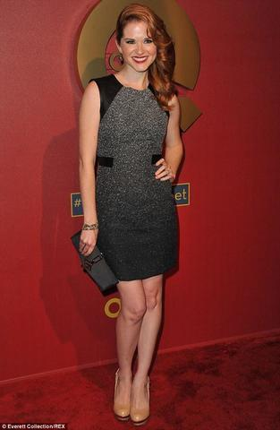 celebritie Sarah Drew 23 years voluptuous photos in the club