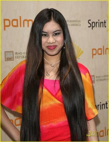 celebritie Ashley Argota 24 years in the buff pics in public