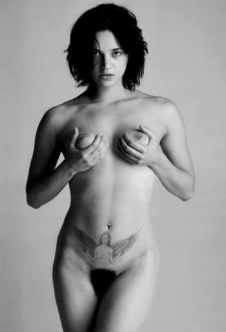 Asia Argento nude photos