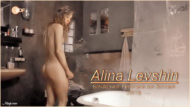 actress Alina Levshin 19 years unclad photos beach