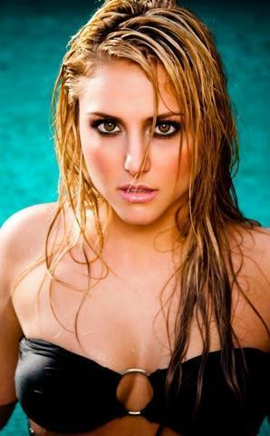 actress Cassie Scerbo 22 years naturism photo home