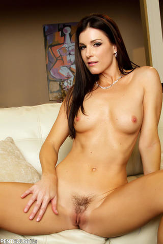India Summer topless picture