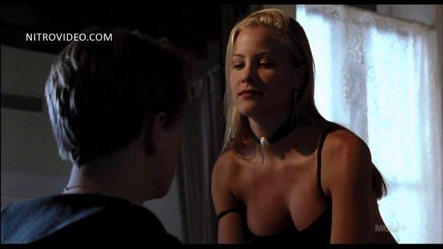 Cynthia Daniel topless photo