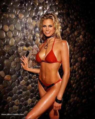 models Brooke Burns 19 years obscene photo beach