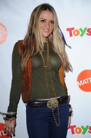 actress Brooke Mueller 24 years hot photo in the club