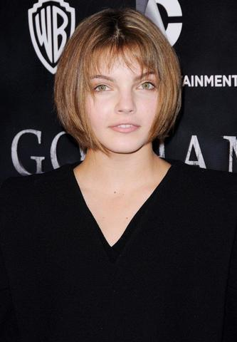 models Camren Bicondova 25 years unclothed photoshoot in the club