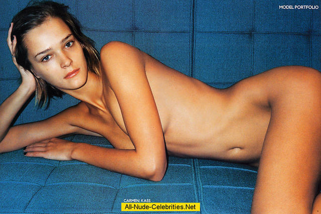 celebritie Carmen Kass young lascivious photos in the club