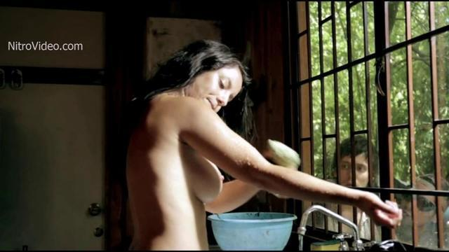 celebritie Siboney Lo 20 years nude young foto photoshoot home