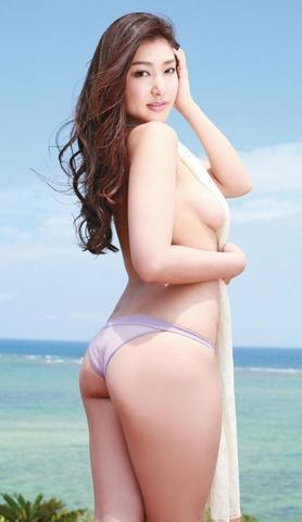 models Yuki Uchida 24 years in the buff foto in public