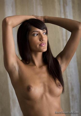 celebritie Chloe Amour 24 years naturism picture home