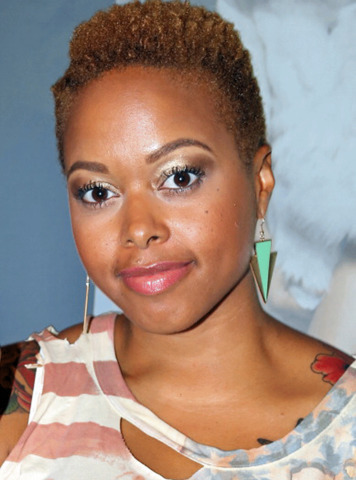 actress Chrisette Michele 25 years carnal pics beach