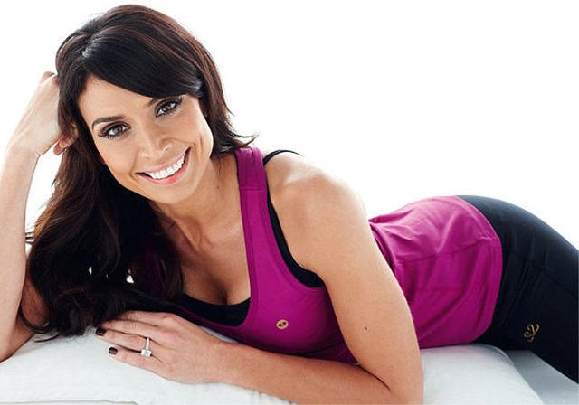 celebritie Christine Bleakley 25 years leafless photoshoot home