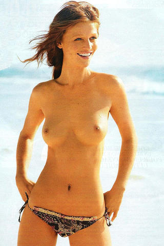 models Cintia Dicker 25 years Without bra picture beach