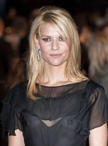 celebritie Claire Danes 2015 in the buff image beach