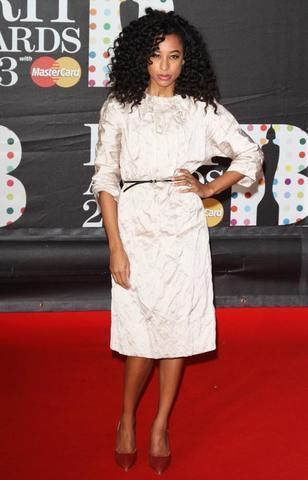 actress Corinne Bailey Rae 23 years obscene photos in the club