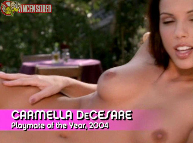 actress Carmella DeCesare young nude young foto pics in the club