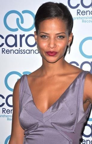 actress Denise Vasi 25 years Without bra snapshot in the club