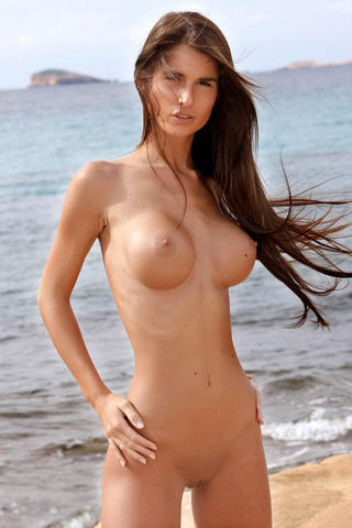 actress Nessa Devil 25 years bare photos beach