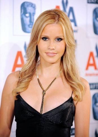 celebritie Claire Holt 18 years lecherous photography in the club