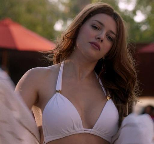 celebritie Elena Satine 20 years Without swimsuit photos in the club
