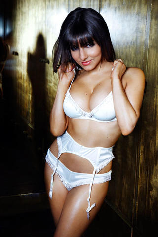 celebritie Roxanne Pallett 18 years crude snapshot beach
