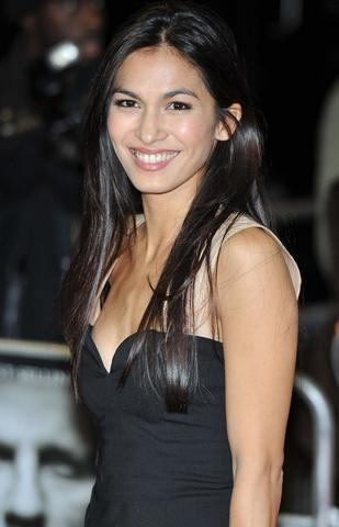 actress Elodie Yung 22 years amatory photos in the club