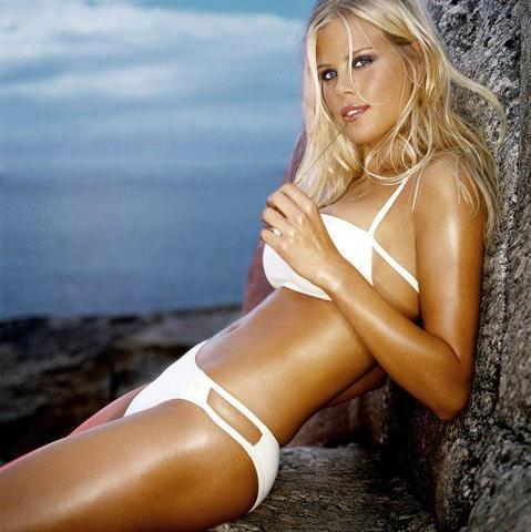 Hot photography Elin Nordegren tits