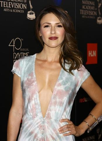 Elizabeth Hendrickson nude photo