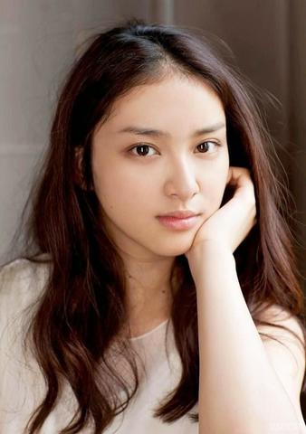 models Emi Takei 24 years sky-clad picture beach