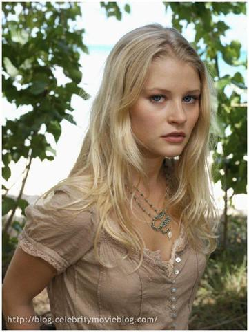 actress Emilie de Ravin 20 years natural pics home