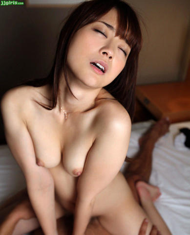 celebritie Reiko Nakamori young voluptuous photo home