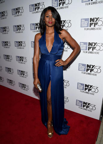 actress Emayatzy Corinealdi 18 years swimming suit photos home