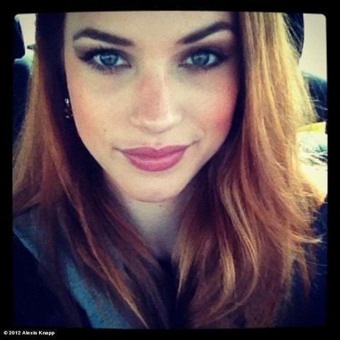celebritie Alexis Knapp 22 years naturism image beach