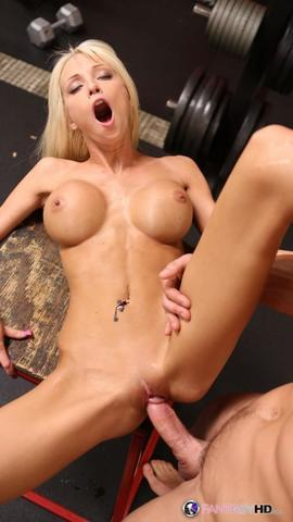 actress Rikki Six 20 years tits photos beach